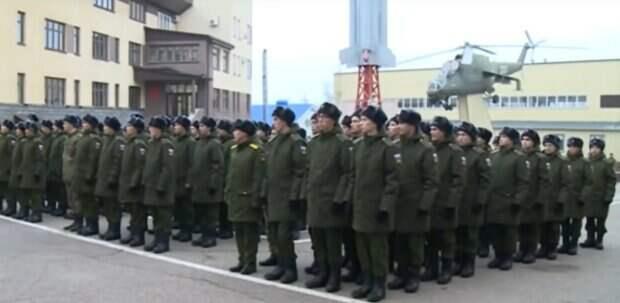 В армии придется служить дольше: россиян уже предупредили