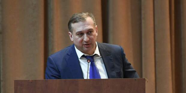 Глава трех спортивных федераций Власенко арестован