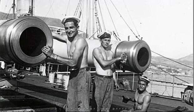 Французские моряки в Мерс Эль Кебире