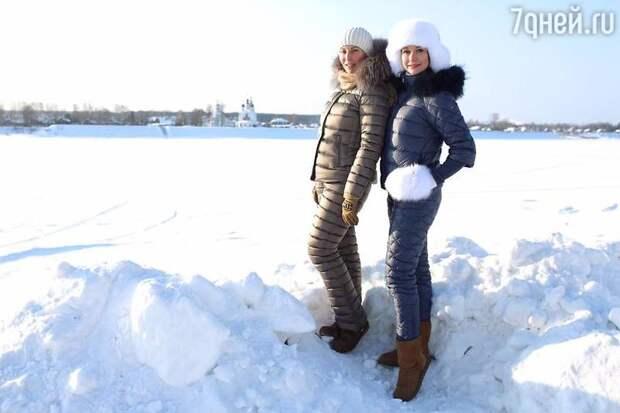 Алика Смехова и Ольга Кабо побывали с детьми на вотчине Деда Мороза