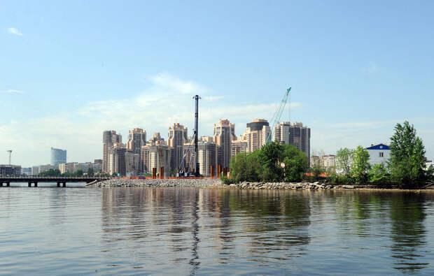 DSC 51711 Нефасадный Петербург: вид с воды