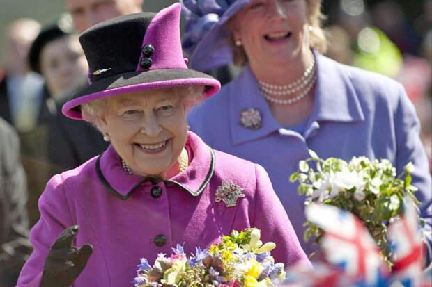 Елизавета II лично одобрила имя новорожденной дочери принца Гарри