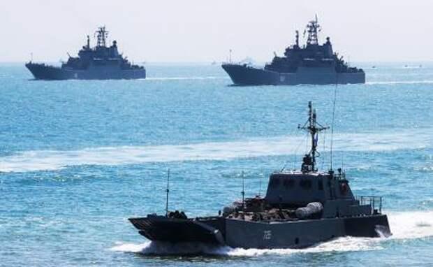«Игра на слабака»: ВМС США и их союзники таранят российские границы