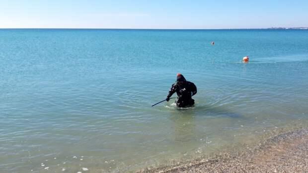 Сотрудники ГКУ РК «КРЫМ-СПАС» продолжают проводить тренировочные занятия по водолазным спускам