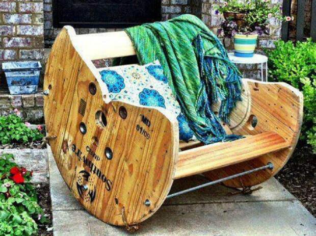 Кресло-качалка своими руками. | Фото: Pinterest.