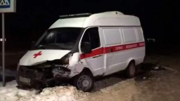 Жесткое ДТП в Башкирии: парень на ВАЗ-2110 вылетел на встречку и врезался в скорую