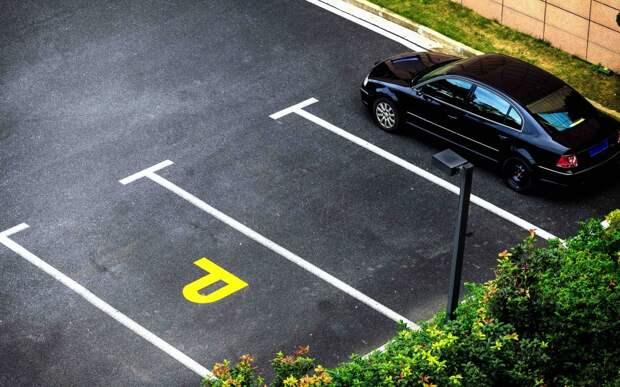 Разметка на парковках — можно ли по ней ездить?