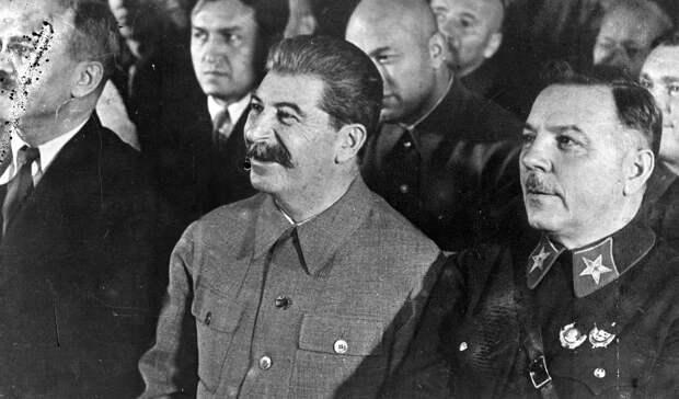 Почему Сталин создал советское кино по образцу Голливуда