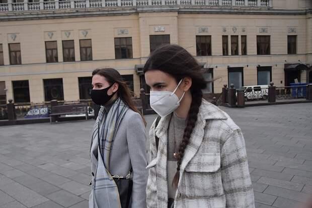 Шесть регионов России ужесточили ограничения по коронавирусу