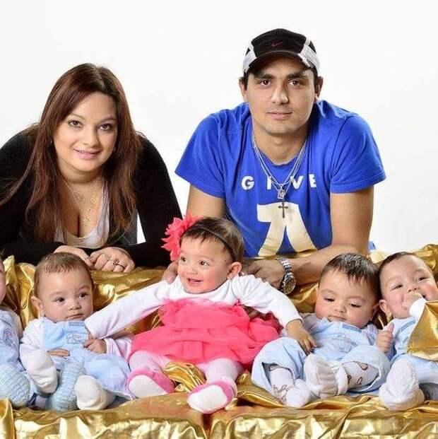 23-летняя мама родила деток, которые рождаются раз в 480 лет