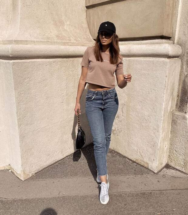 12 примеров как носить футболку с джинсами, чтобы выглядеть стильно