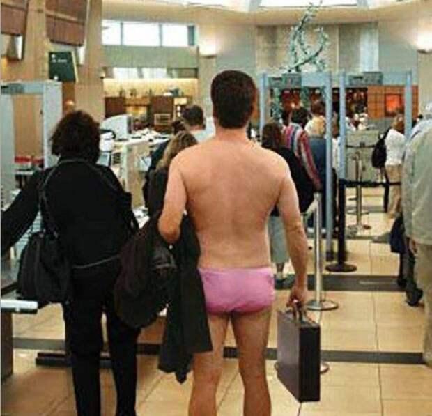 2. Ничего лишнего аэропорт, багаж, путешественники, фото, юмор