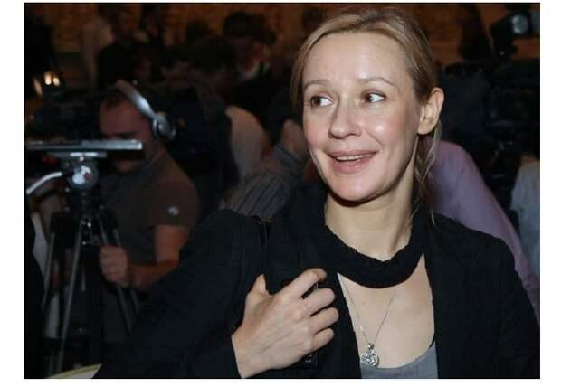 Евгения Дмитриева - российская актриса кино и театра.
