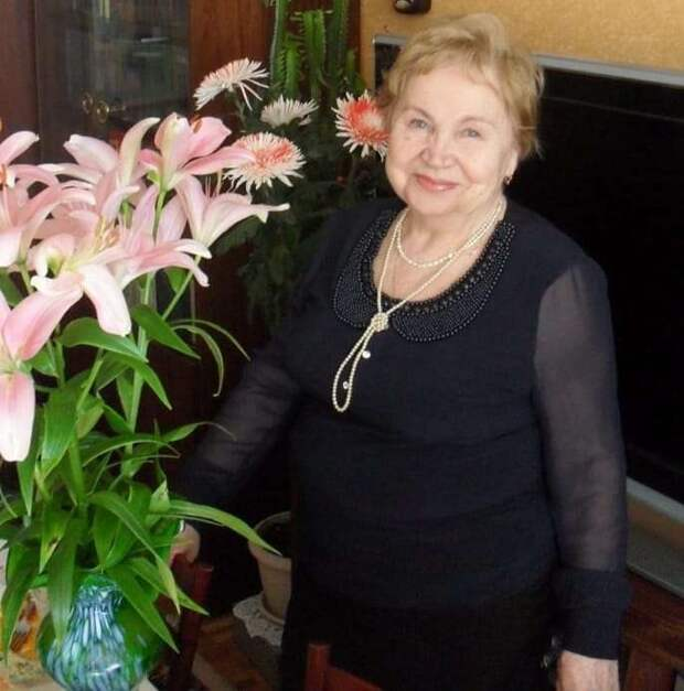 Три жительницы Алтуфьева приняли участие в мемориальной акции «Блокадные окна»