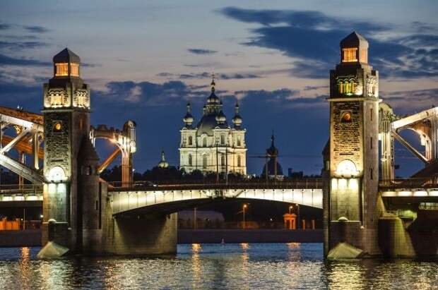 Вильфанд объявил о начале сезона белых ночей в Петербурге