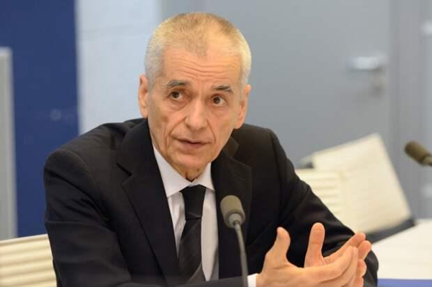 Онищенко ответил на заявление о неэффективности перчаток в борьбе с COVID-19