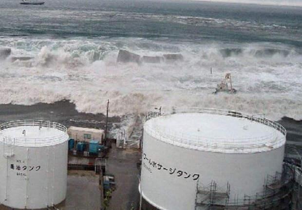 В океан. Япония решила слить ядерные сточные воды Фукусимы