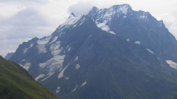 Пропавшего в горах Абхазии российского туриста ищут четвертые сутки