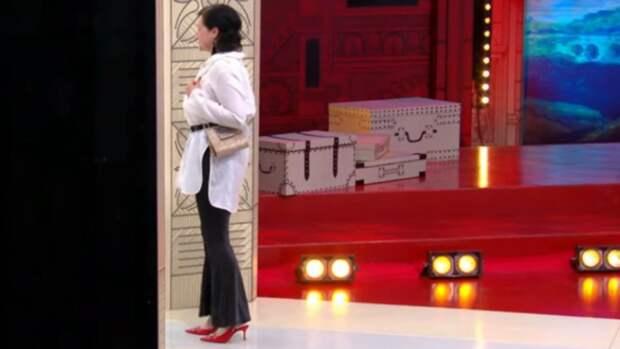 Эвелина Хромченко показала брюки, которые должны быть в гардеробе каждой модницы