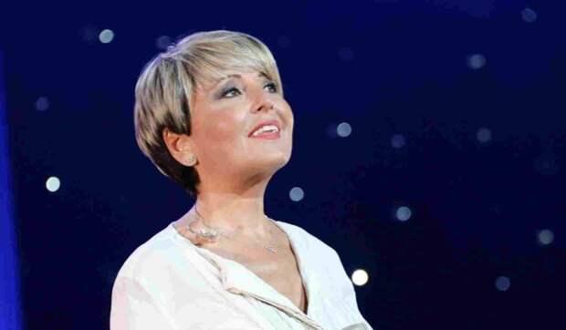 Анжелика Варум дала концерт на собственном участке