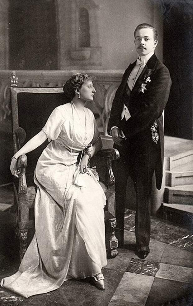 Король Мануэль II и его жена Августа Виктория