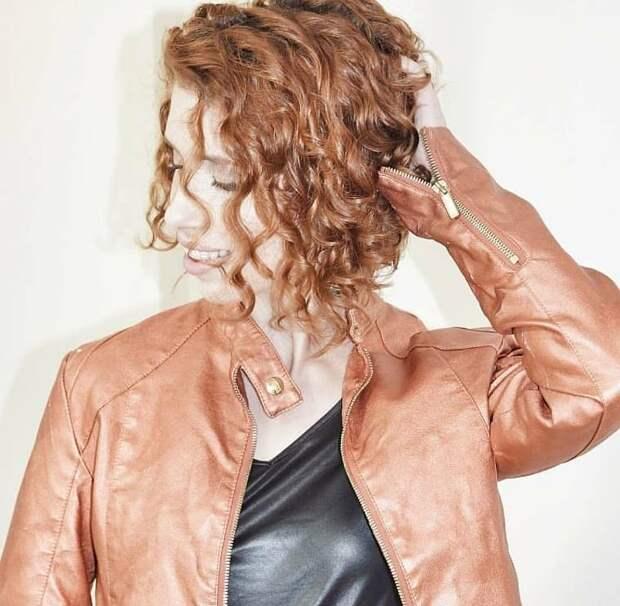 Биозавивка на средние волосы: 15 вариантов для игривого образа