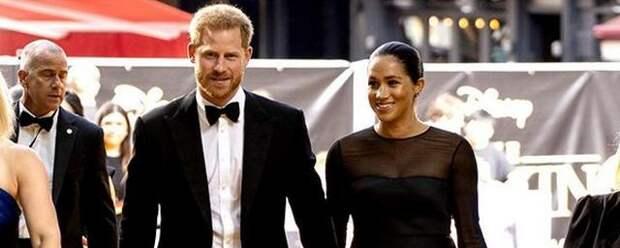 Королева Британии пригласила младшего внука и его жену в Лондон