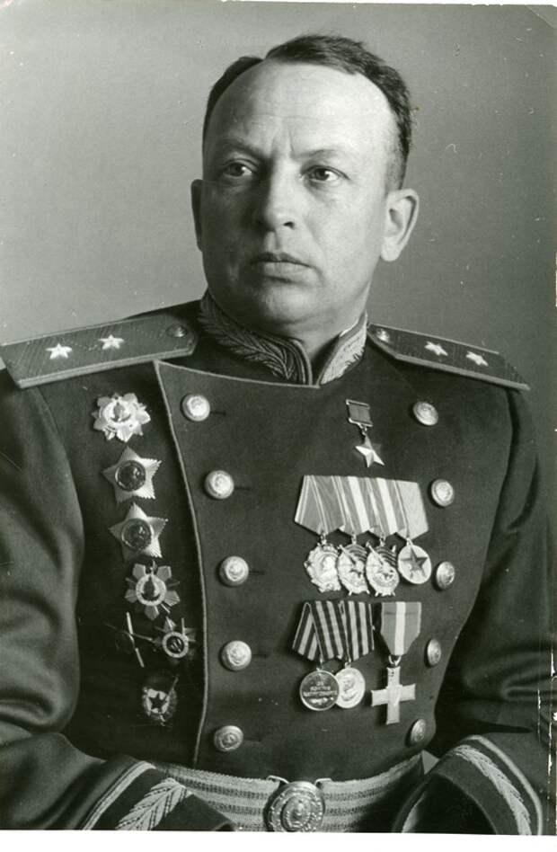 Вышла в свет книга о Герое Советского Союза Георгии Филипповиче Байдукове