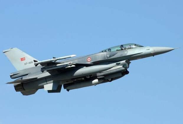 Турецкий истребитель F-16 сбил армянский Су-25 в небе над Карабахом