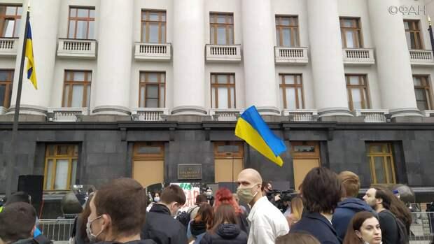 Украинские националисты выдвинут Зеленскому новые требования на марше УПА