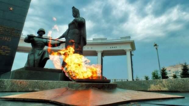 В Химках задержали мужчину, который сжег телевизор на Вечном огне
