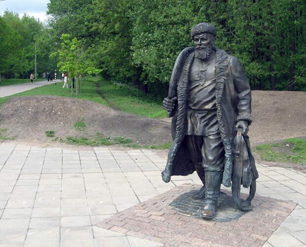 Необычные памятники Москвы