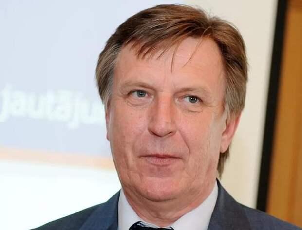 Экс-премьер Латвии: Когда мы думаем о правительстве, то на ум приходит слово «хаос»
