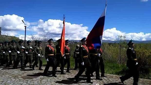 Армянские ироссийские военные прошли маршем Победы вГюмри