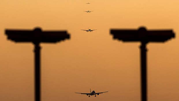Пассажирские самолеты, заходящие на посадку