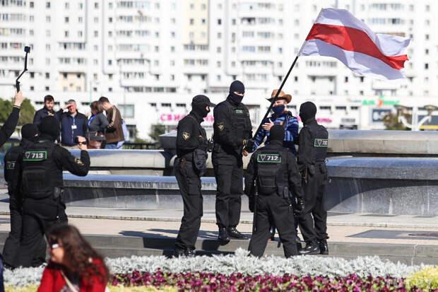 Протест осталась без женского марша, и Украина решила ввести санкции против Минска. Что происходит в Белоруссии