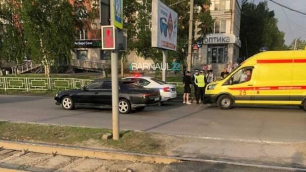 В Барнауле водитель сбил ребёнка возле торгового центра