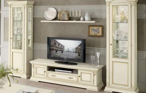 комод под телевизор в классическом стиле