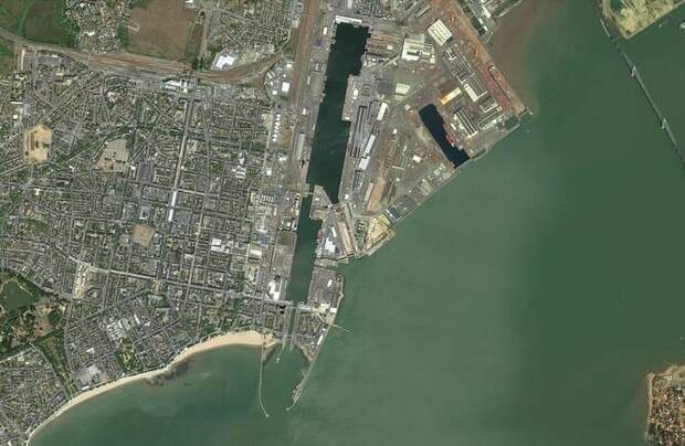 Сухой док города Сен-Назер