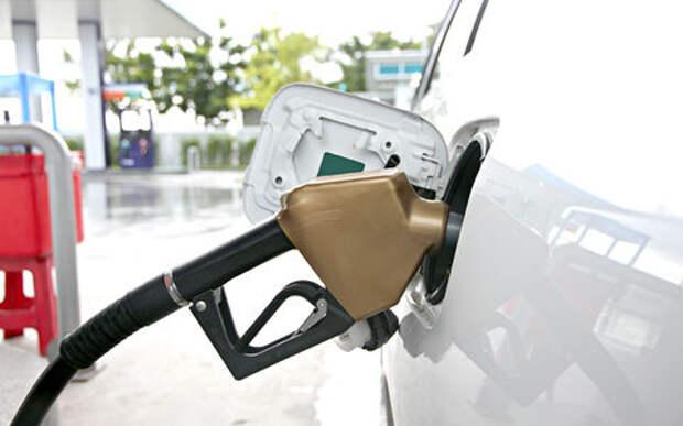 Обещают: рост цен на топливо - на уровне инфляции. Верите?