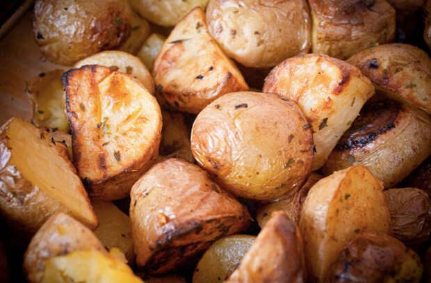 Картошка из духовки: 5 хитростей профи делающих блюдо вкуснее