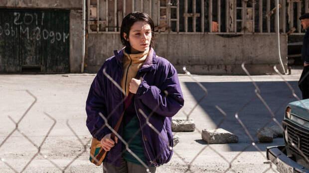 «Ужасно смотреть со стороны»: актриса из «Разжимая кулаки» рассказала о фильме