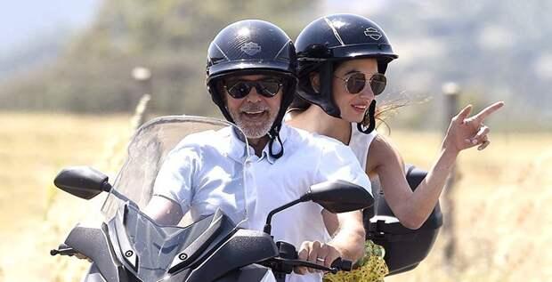 Джордж Клуни отказался от езды на мотоцикле ради жены
