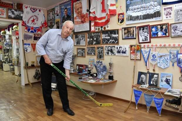 Наши соседи: житель Лефортова создал в ЮВАО музей хоккея