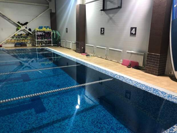 16-летняя девушка из Саратова оказалась в больнице после купания в бассейне