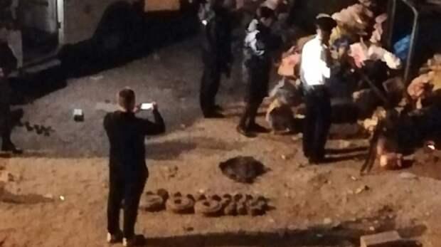 «От деда осталось»: жителей Камышина напугали муляжи бомб в мусорном баке