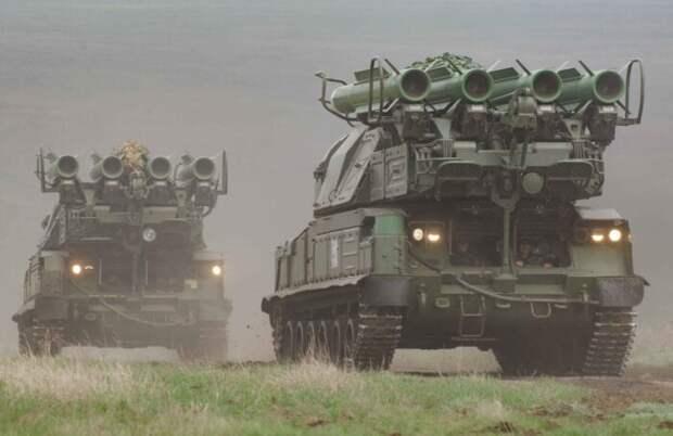 Украина массово перебрасывает ракетные комплексы и ПВО награницу сКрымом