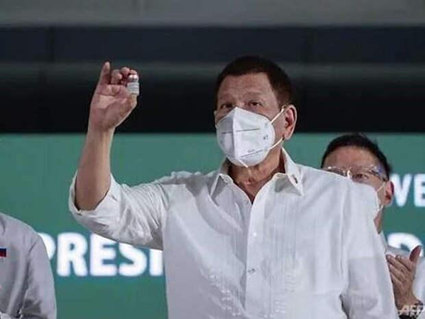 """Президент Филиппин Дутерте предложил населению: """"или вакцинирование, или тюрьма"""