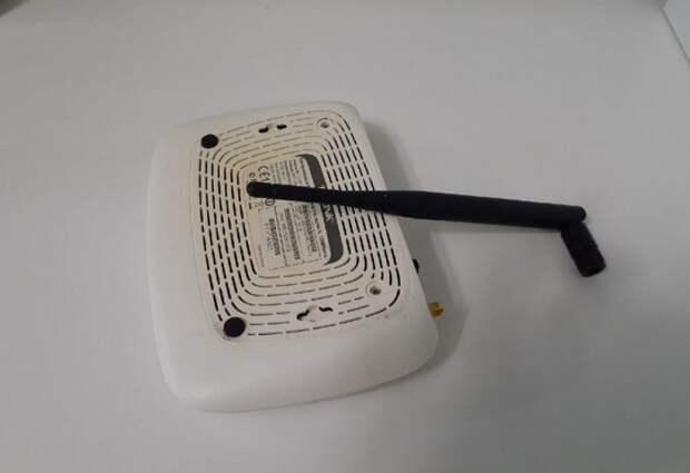 Зачем выкручивают антенны у роутеров