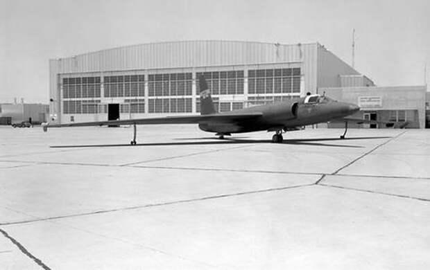 Единственный самолет U-2 был передан в распоряжение NASA в рамках операции прикрытия. Большая часть этих самолетов использовалась ЦРУ для проведения разведовательных полетов. Фото: NASA/DFRC